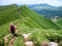 sancy tour walking holiday auvergne france
